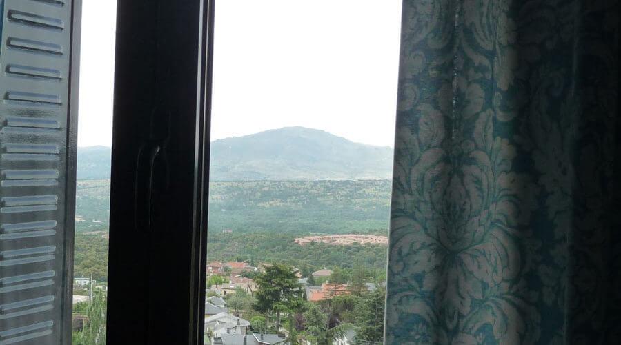 Una vista desde una ventana de la vivienda-estudio de Rubén de Luis
