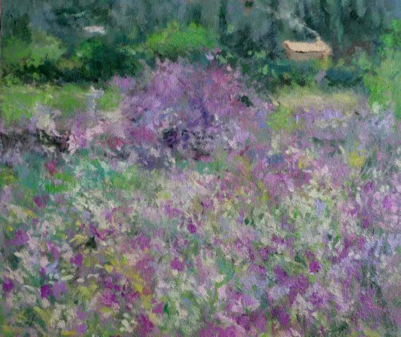Cuadro al oleo de un paisaje de flores violetas.