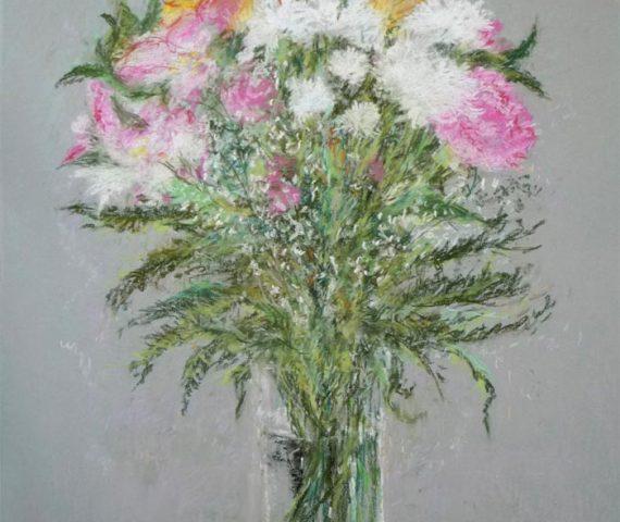 Cuadro a pastel de unas flores en un florero.